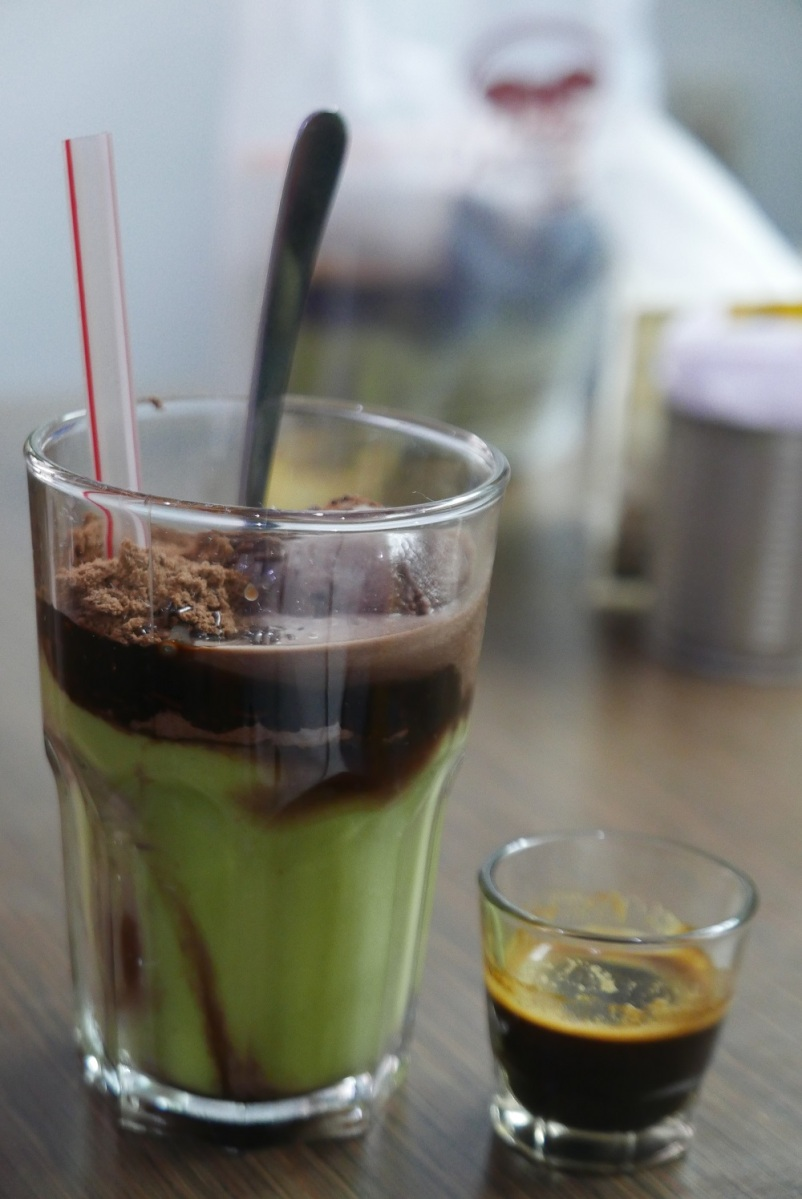 Avocado coffee float by Macehat in Medan.